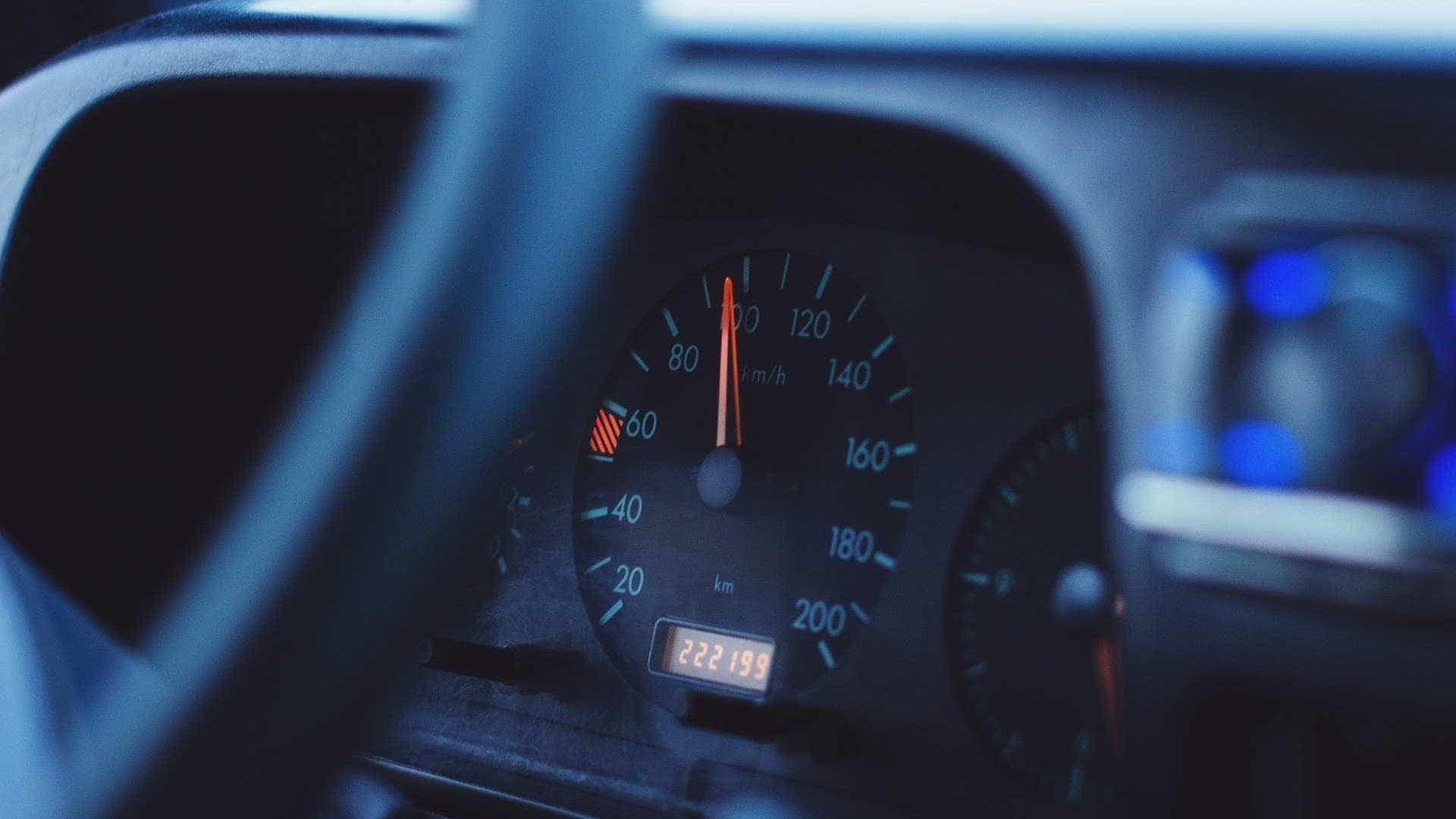 Saiba quais carros mais perderam valor no ano passado