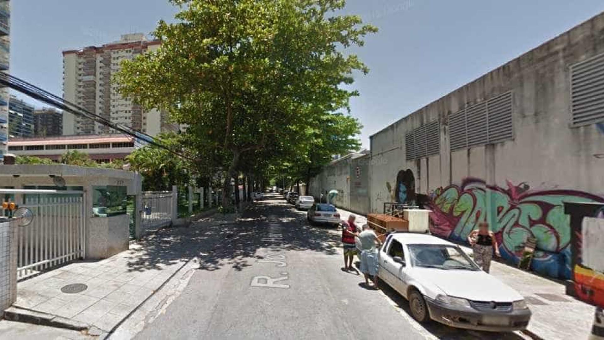 Dupla é presa roubando moto na Barra da Tijuca