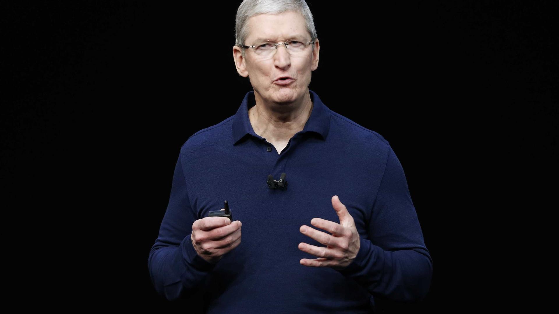 CEO da Apple faz discurso para a comunidade LGBTQ+