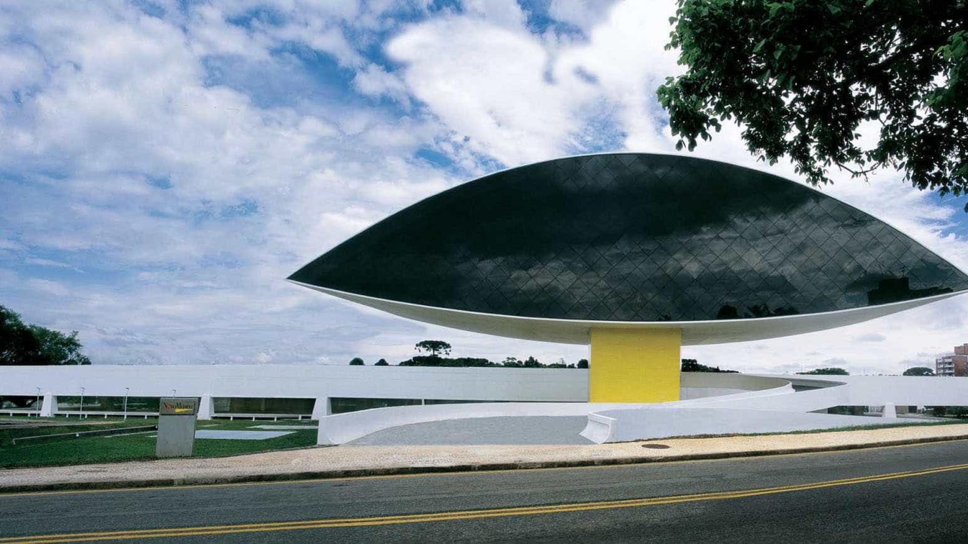 Familiares brigam pelo direito de  uso do nome Oscar Niemeyer