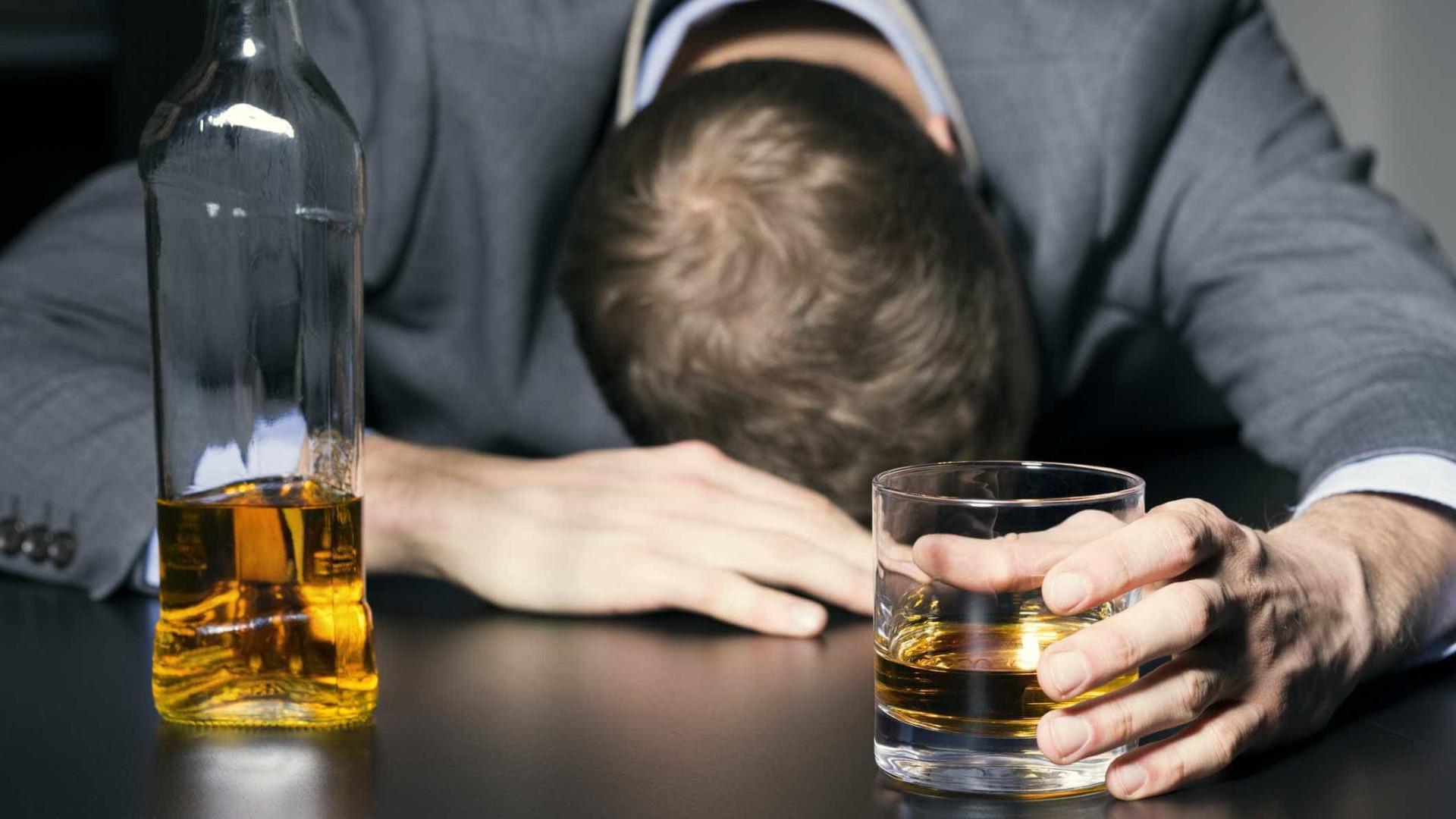 Há quatro tipos de pessoas que bebem álcool. Qual deles você é?