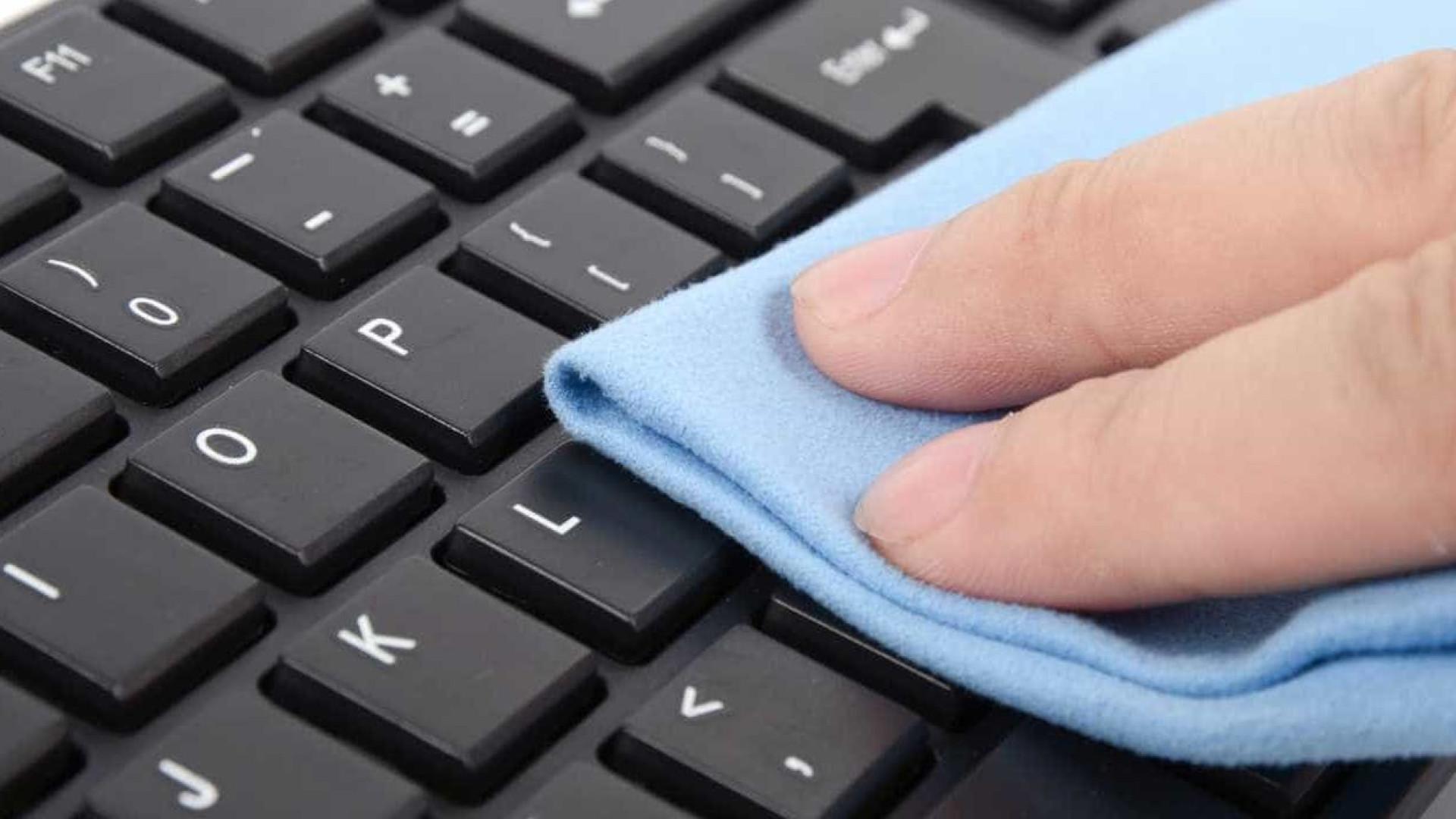 Seu teclado precisa de uma limpeza? Saiba como e quando fazer