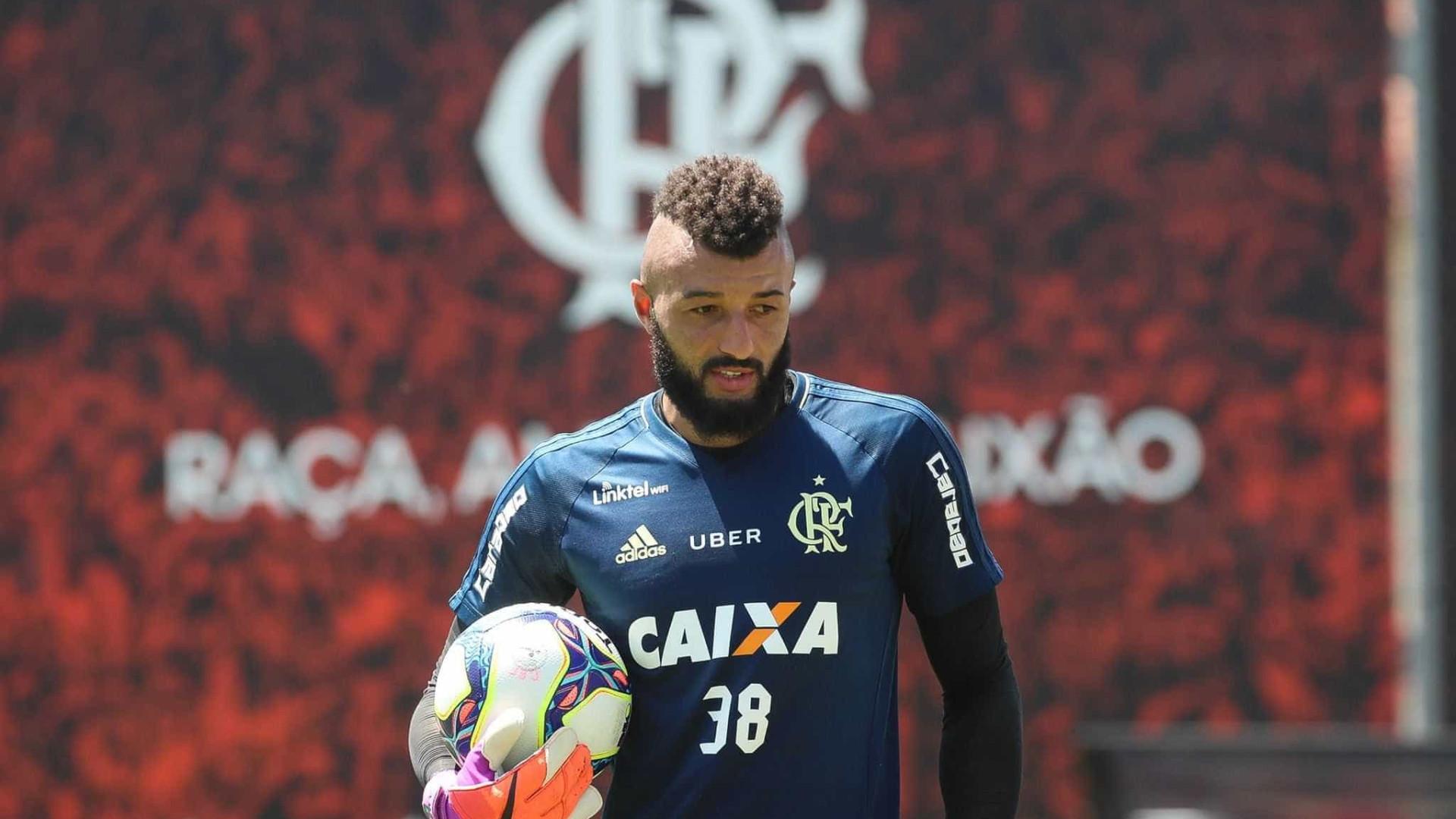 Flamengo fecha treino e Zé Ricardo faz mistério para o clássico