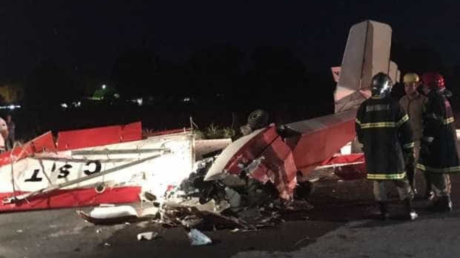 Avião cai e mata duas pessoas em Goiás