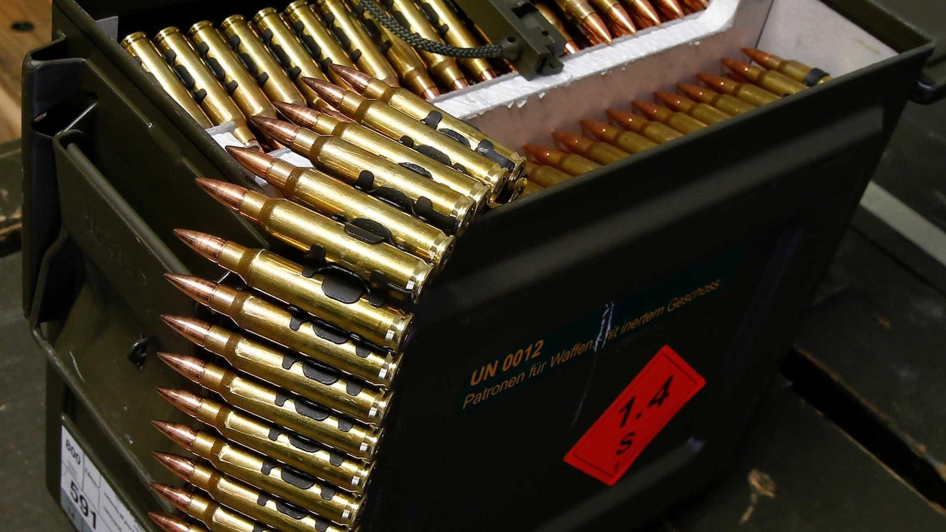 Dupla é presa com sete mil balas de pistola no estado do RJ; vídeo