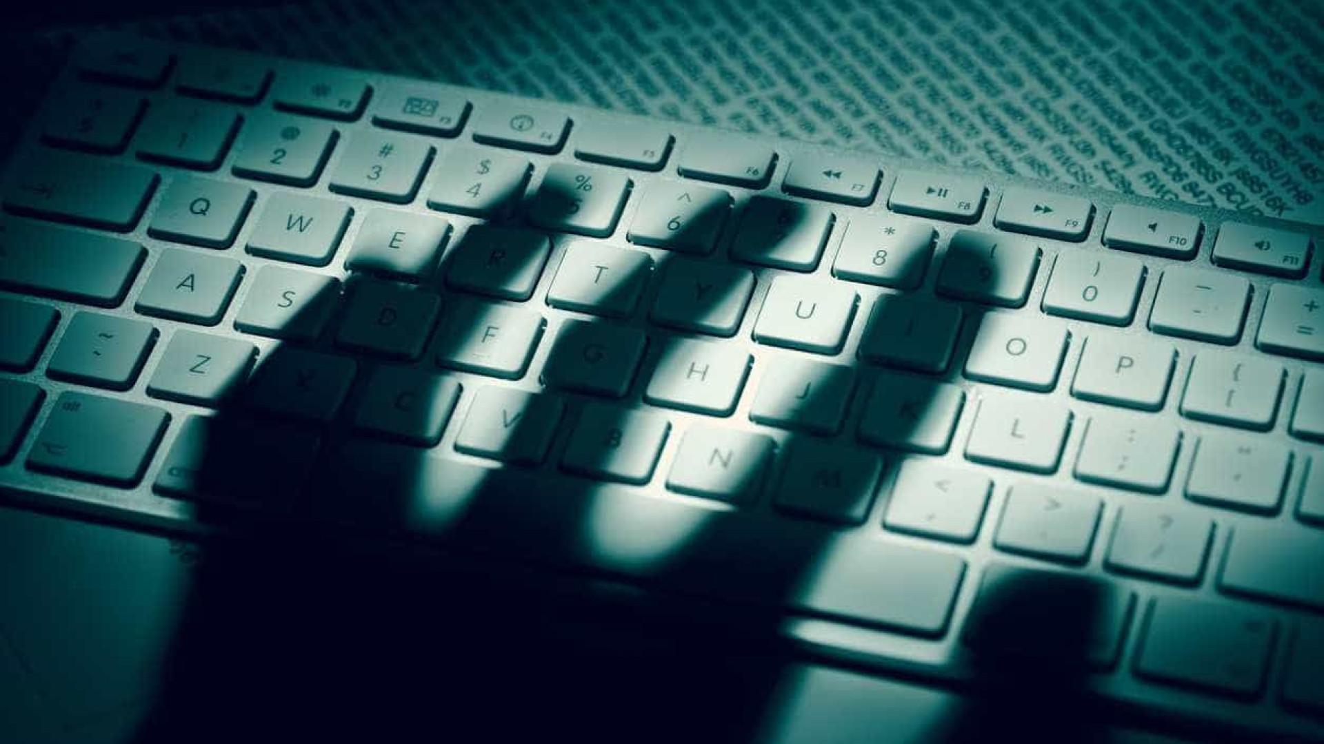 Novo ataque é capaz de roubar dados a computador bloqueado