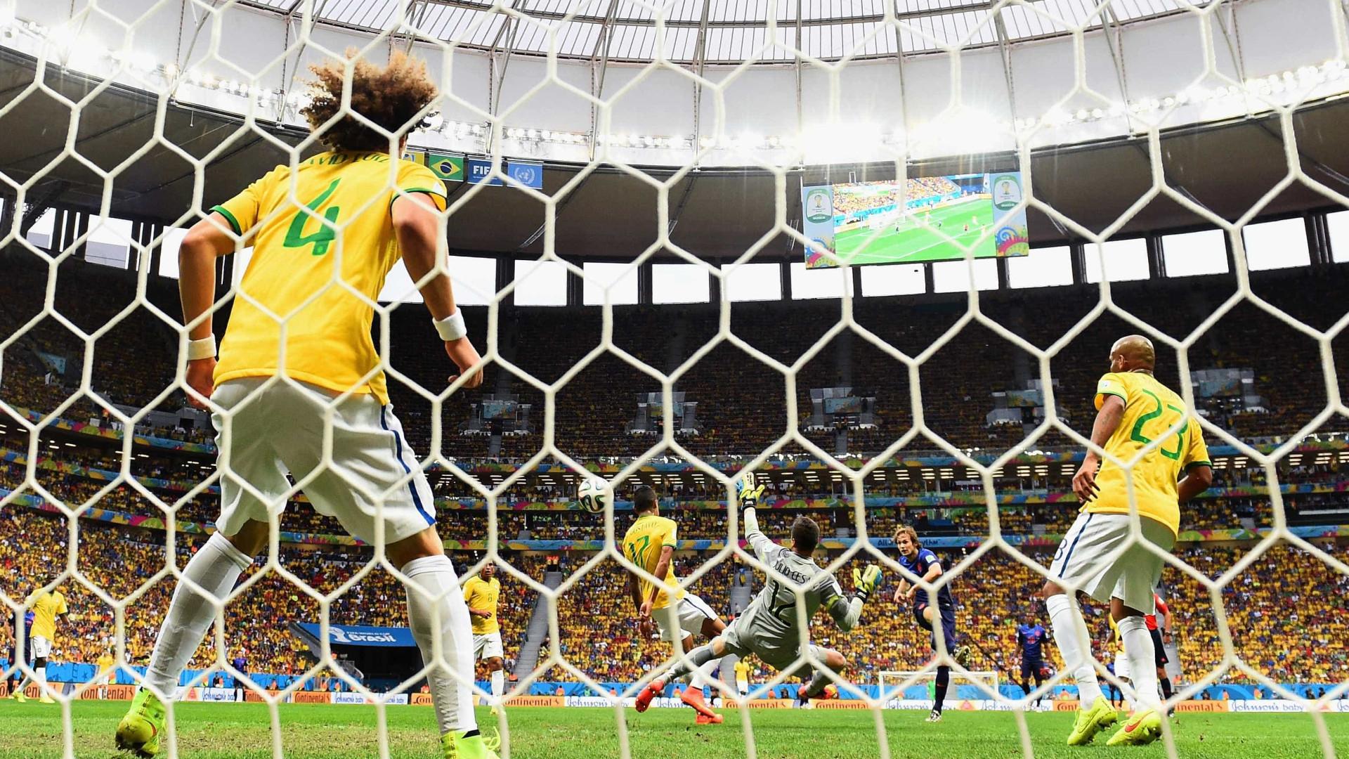 Cade vai apurar cartel em licitações de estádios da Copa