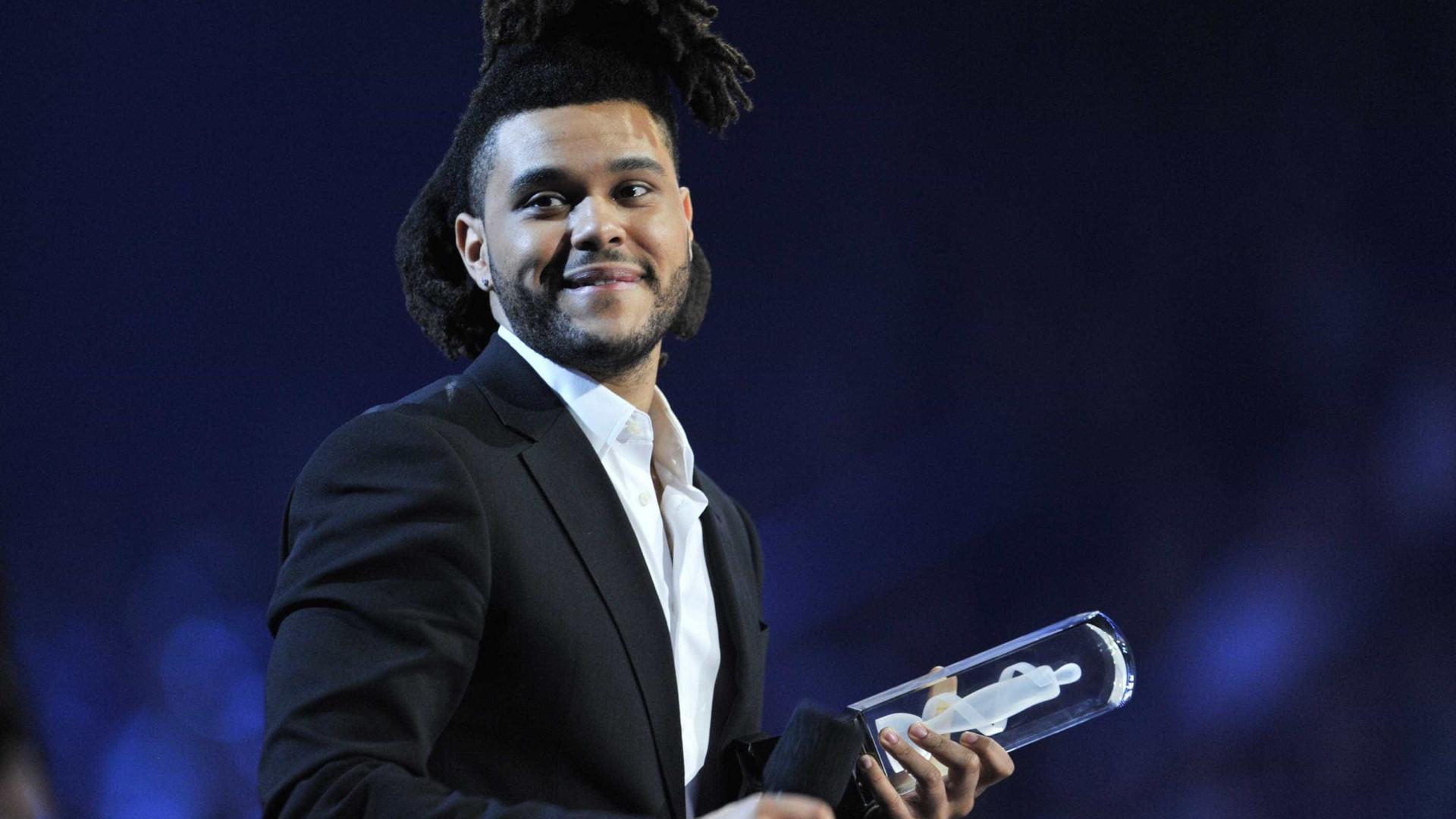 """The Weeknd confessa: """"As drogas eram uma muleta"""""""