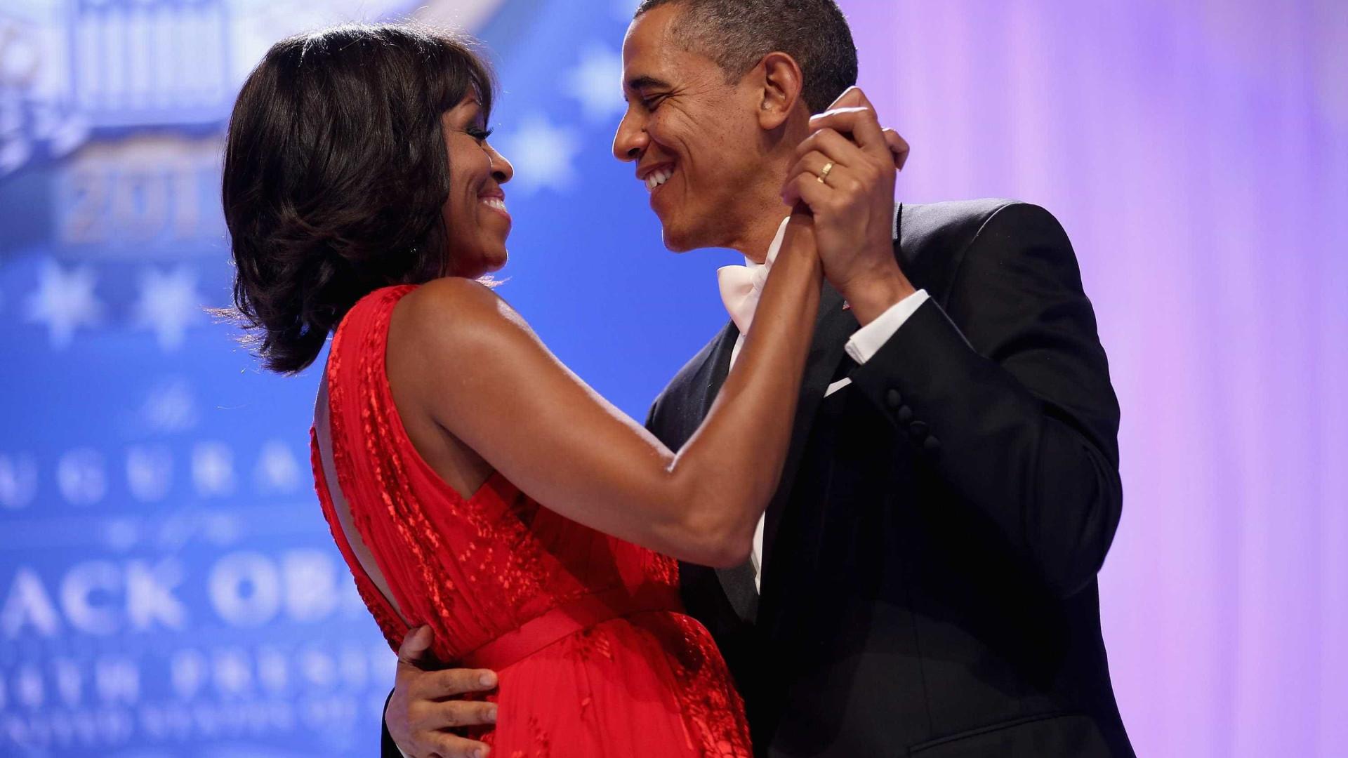 Michelle Obama encanta fãs com foto no Dia dos Namorados