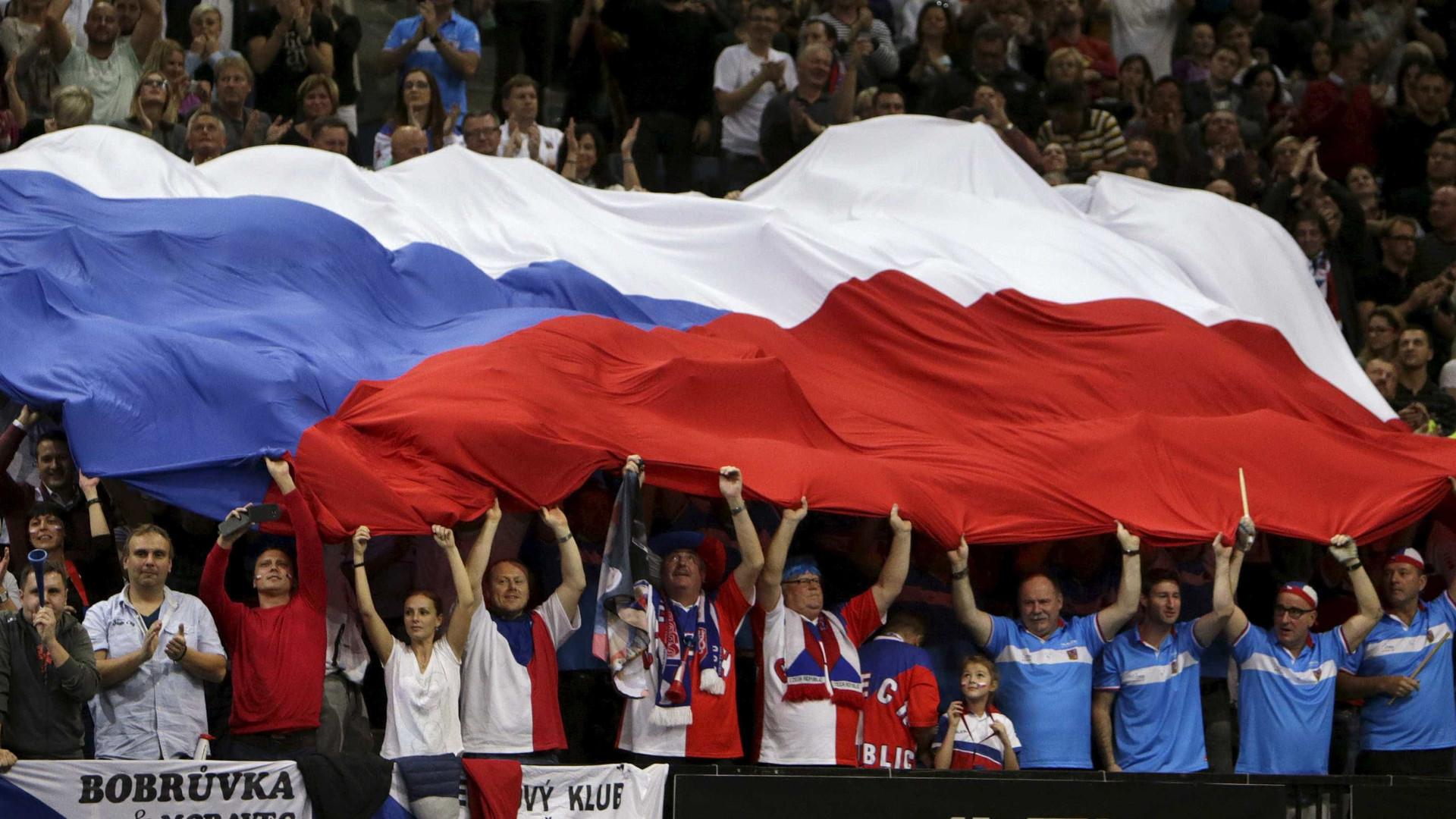 República Checa envia para Itália máscaras e ventiladores apreendidos