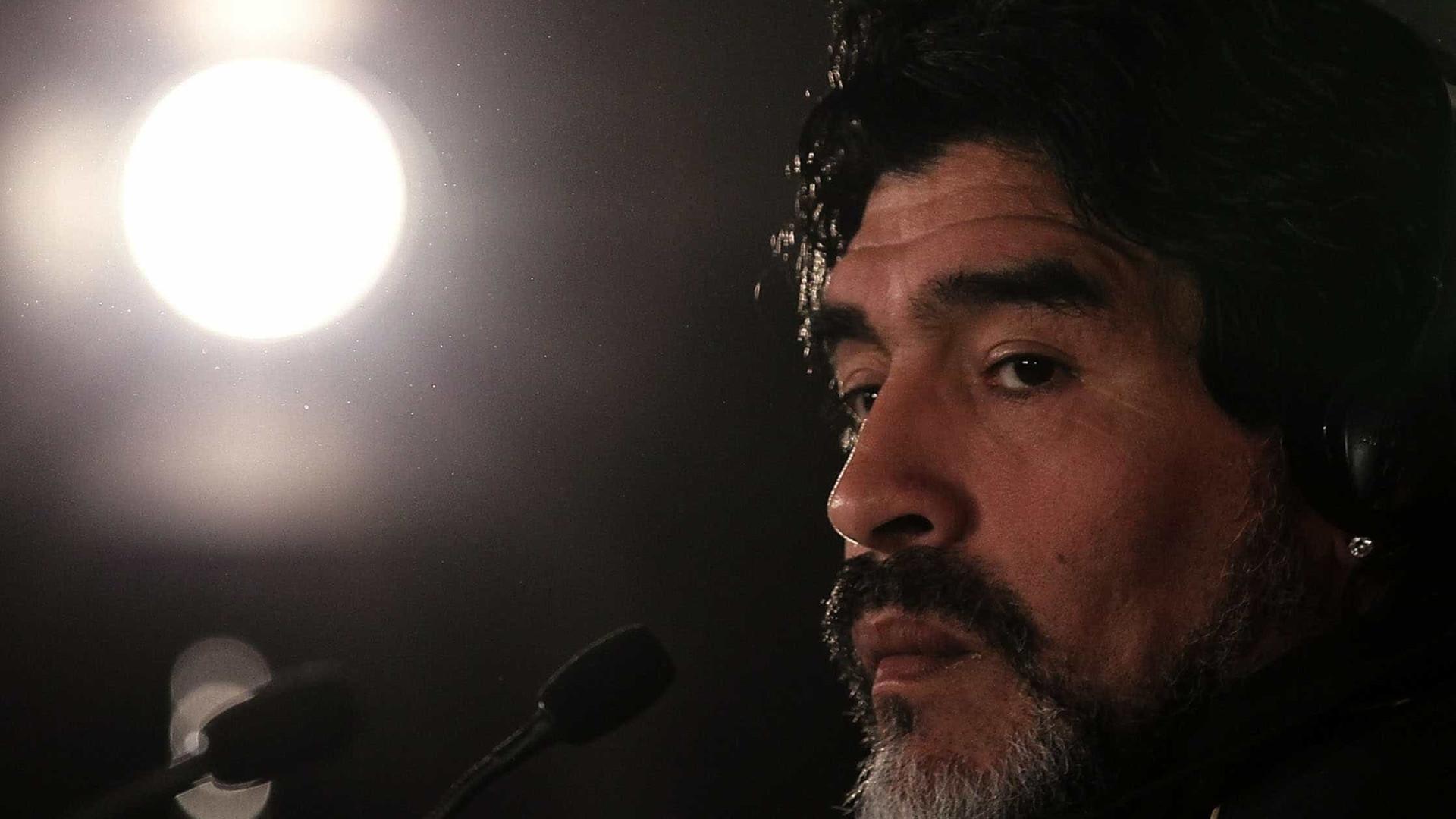 """Advogado detona filhas de Maradona: """"Abandonaram ele, morreu sozinho"""""""