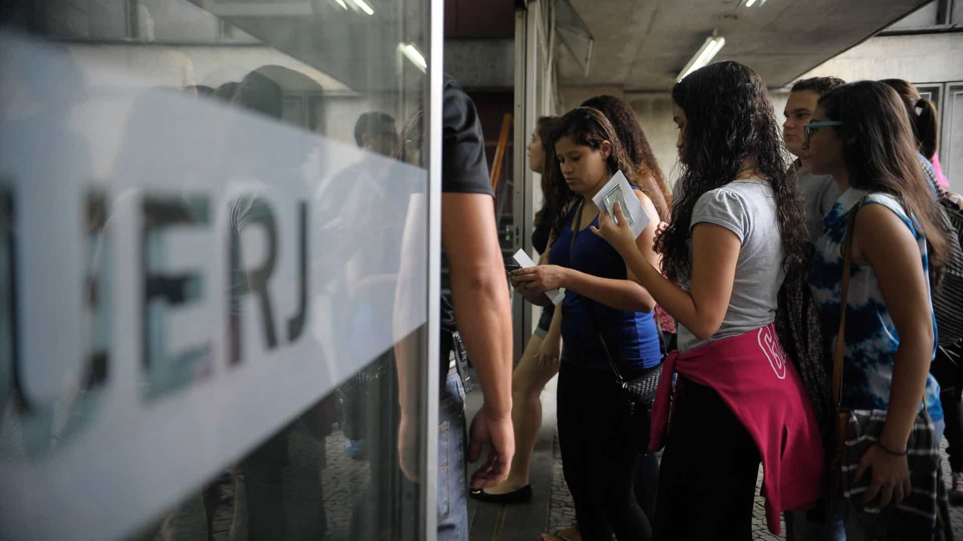 UERJ adia vestibular para primeiro semestre de 2021