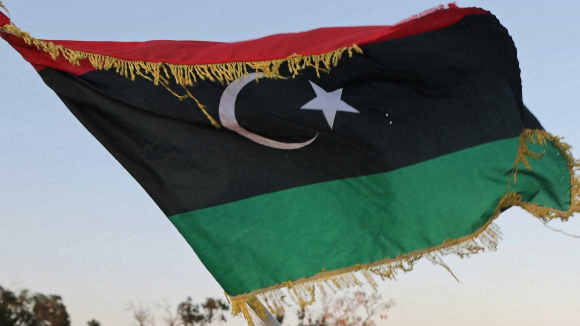 Egito avança com iniciativa para acabar com a guerra na Líbia
