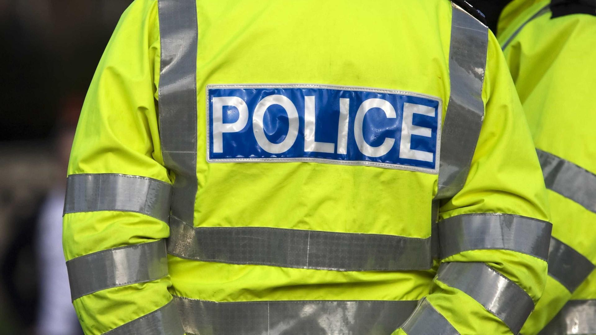 Reino Unido. Adolescente de 14 anos detido por suspeita de homicídio