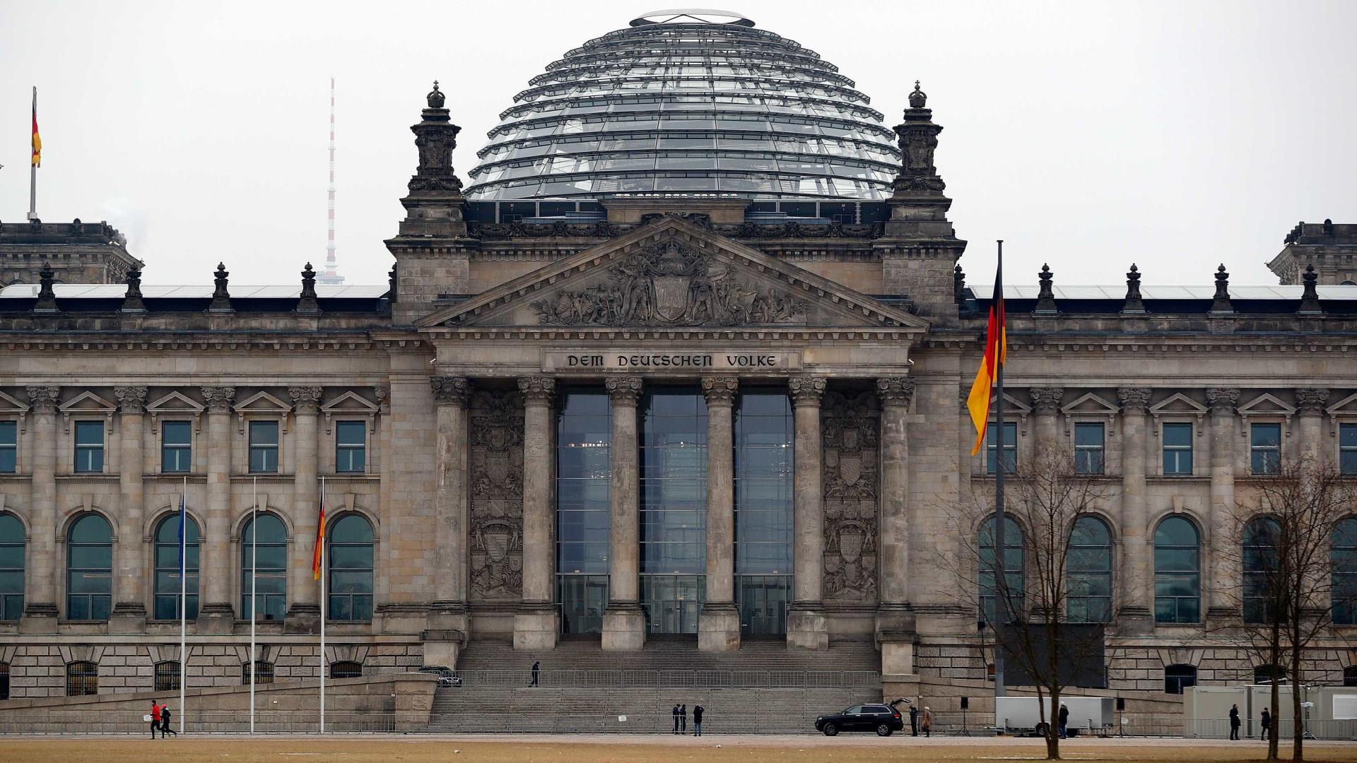 Rússia nega acusações de ataque informático a Alemanha