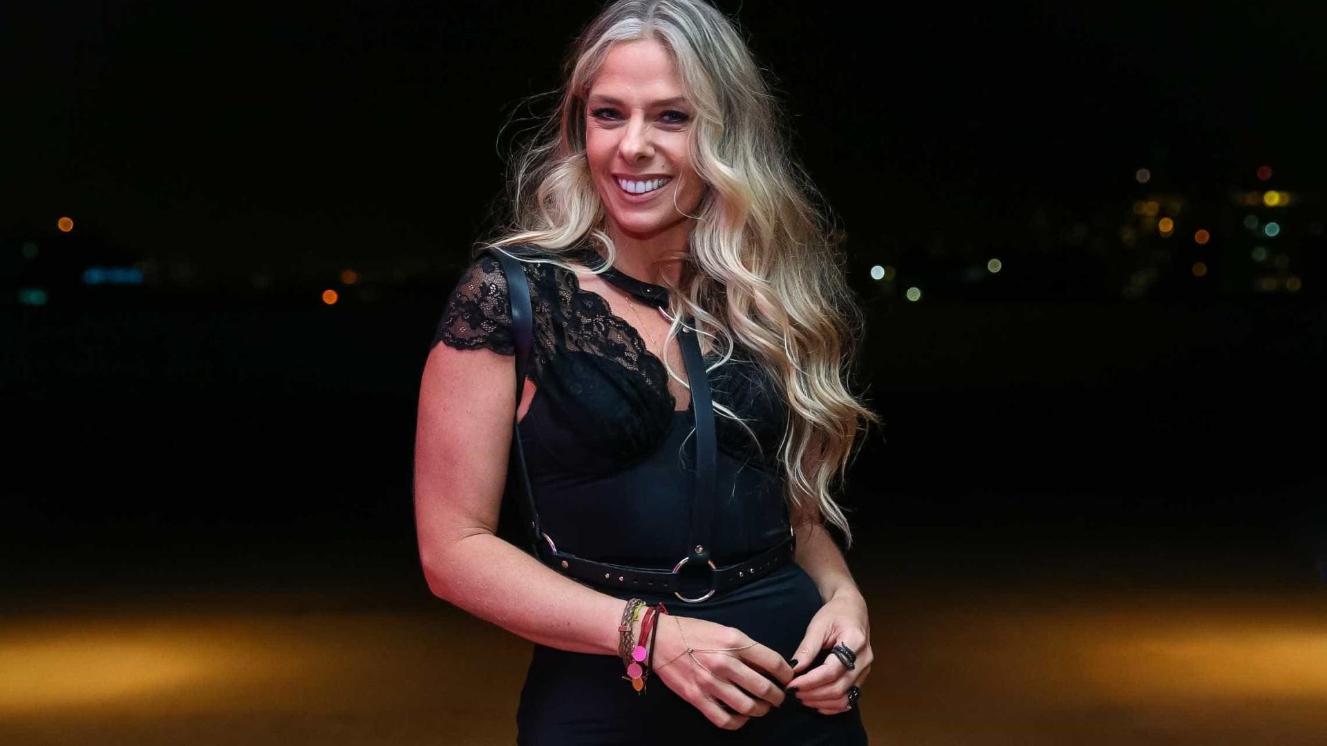 Sem contrato com a Globo, Adriane Galisteu pode assinar com a Band
