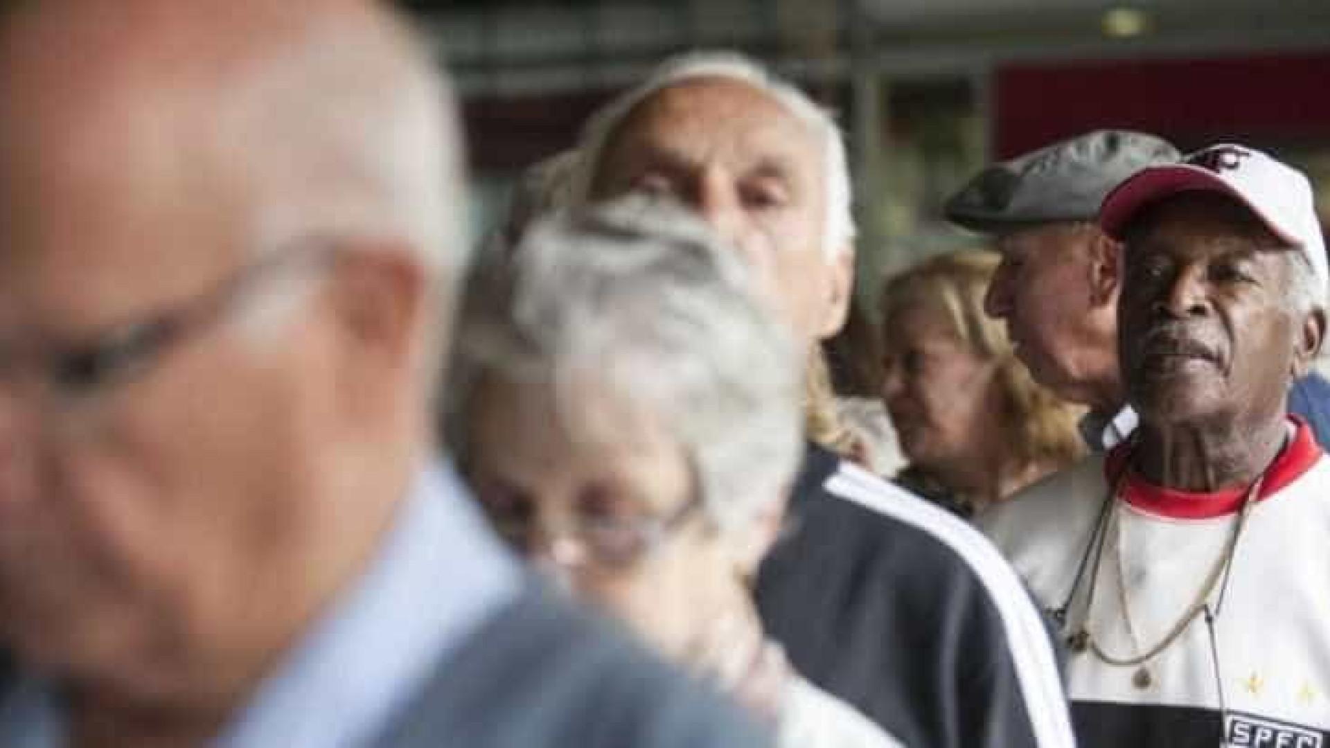 Novo relatório mantém cálculo por média que reduz aposentadoria