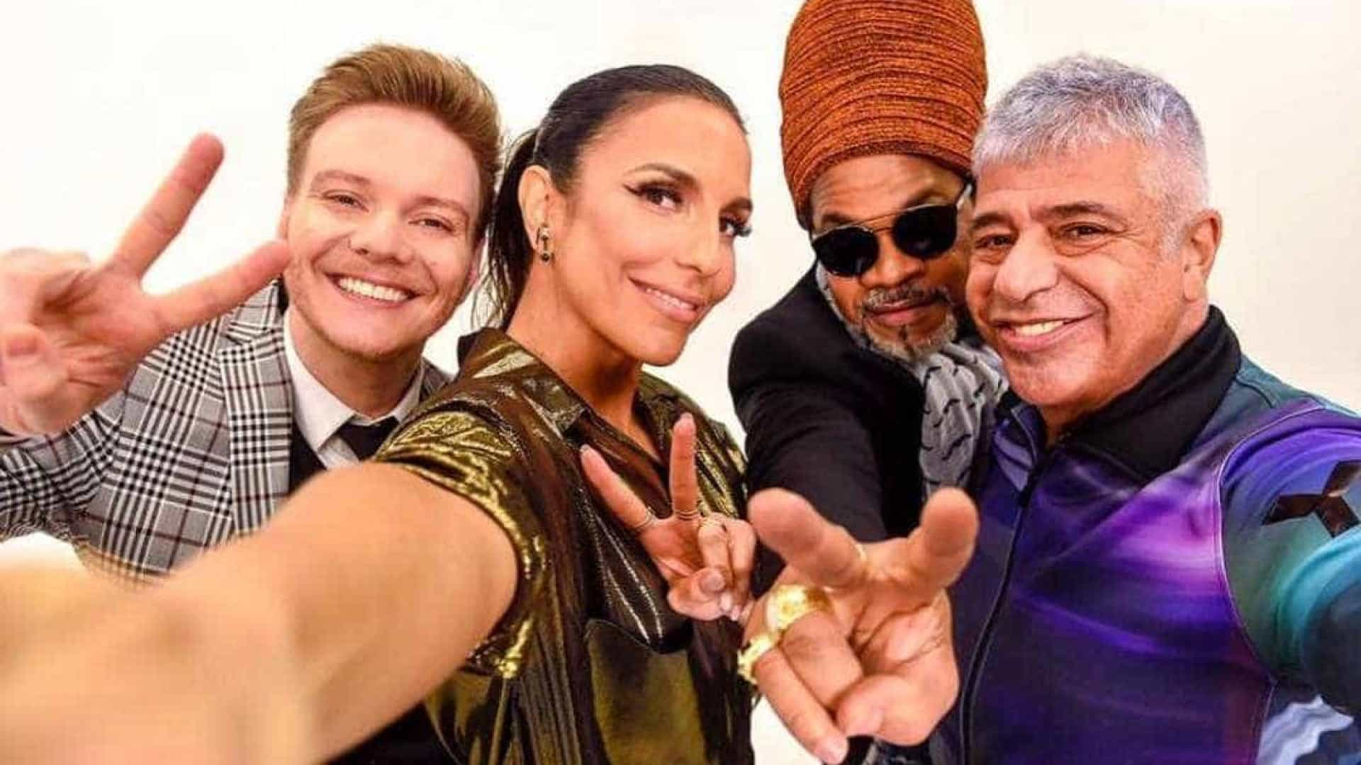 Ivete divulga 1ª foto oficial como jurada do 'The Voice' adulto