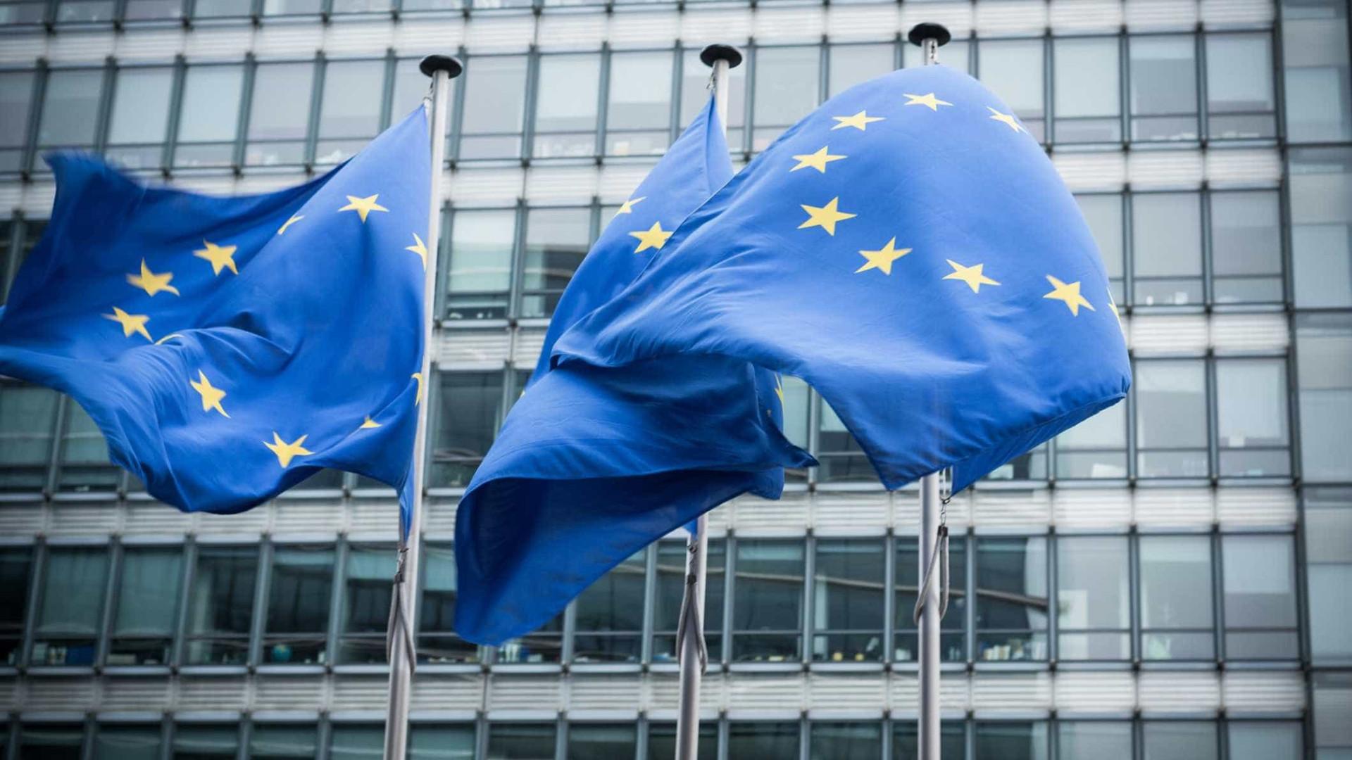 """Após aviso de Trump, UE aconselha a """"evitar-se qualquer provocação"""""""