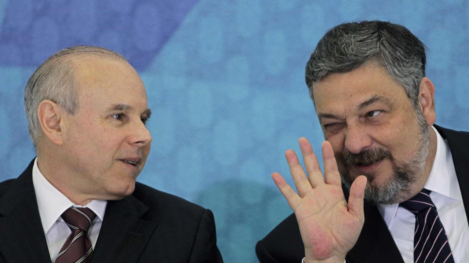 Mantega vazou informações sobre taxa Selic para Esteves, diz Palocci