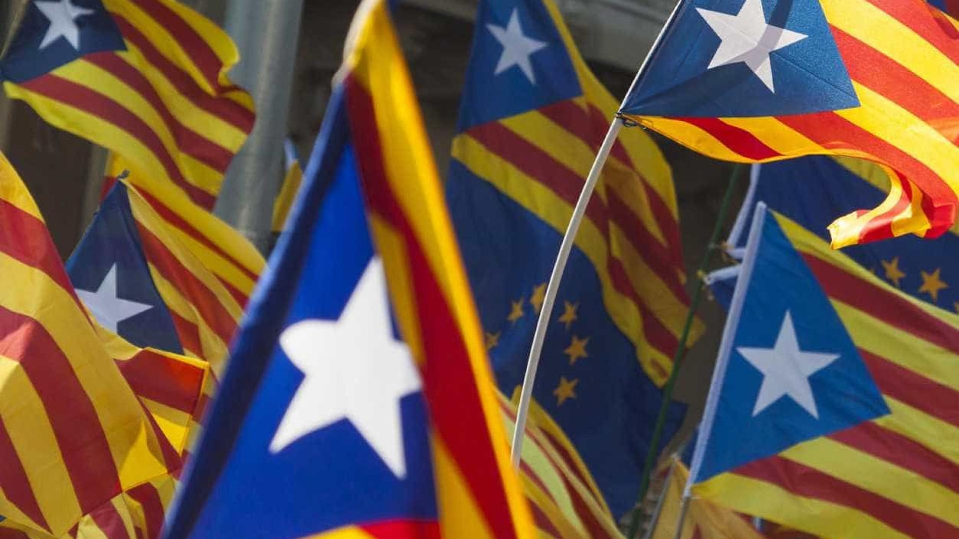 Catalunha: separatistas manifestam-se contra início de julgamento