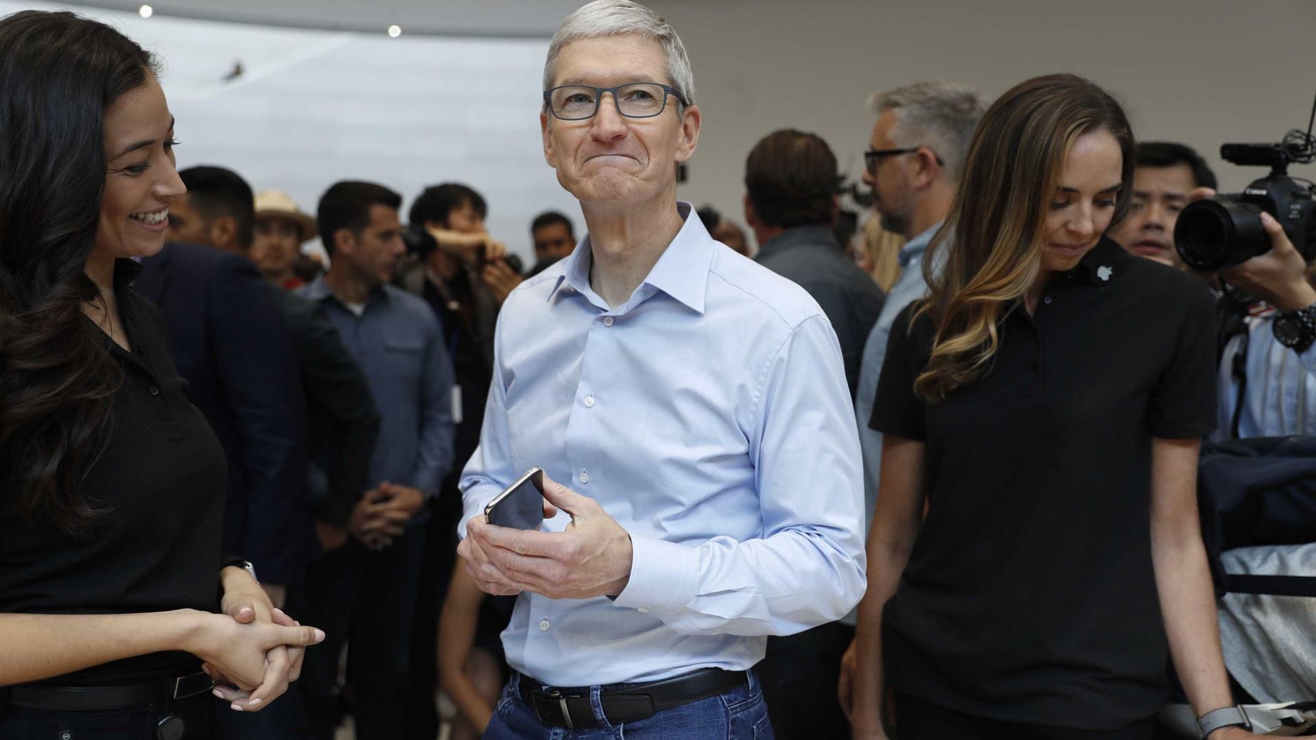 O CEO da Apple, Tim Cook, explica por que assumiu homossexualidade