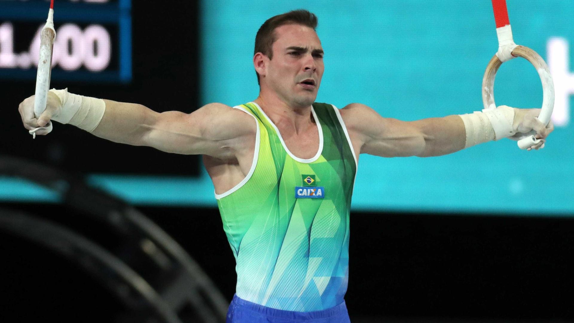 Zanetti busca se tornar primeiro ginasta do mundo com 3 medalhas nas argolas