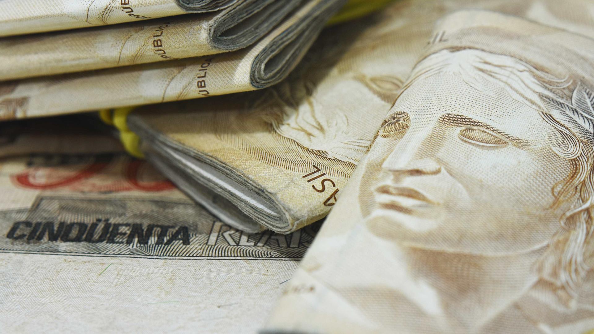 Instituições reduzem projeção de déficit em contas públicas