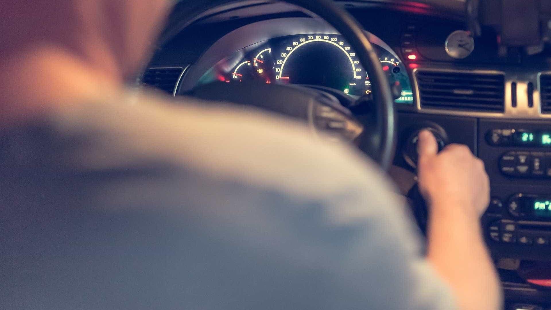 Motorista de aplicativo sai para fazer corrida e é encontrado morto