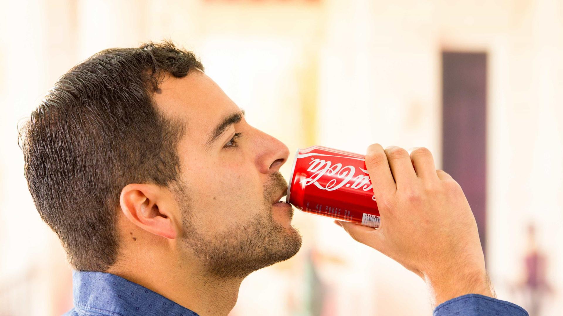 Bebe da lata? Estudo encontra efeito secundário importante
