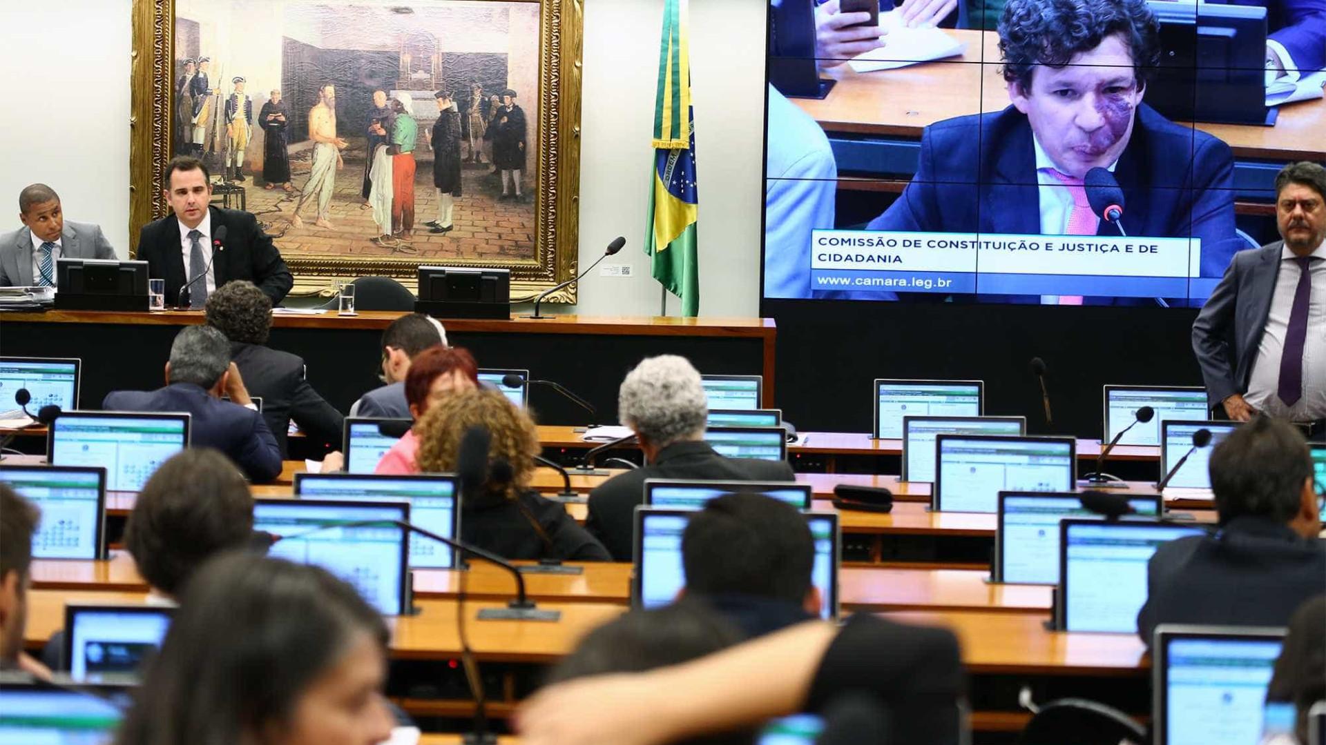 Comissão da Câmara retoma votação de PEC que proíbe aborto