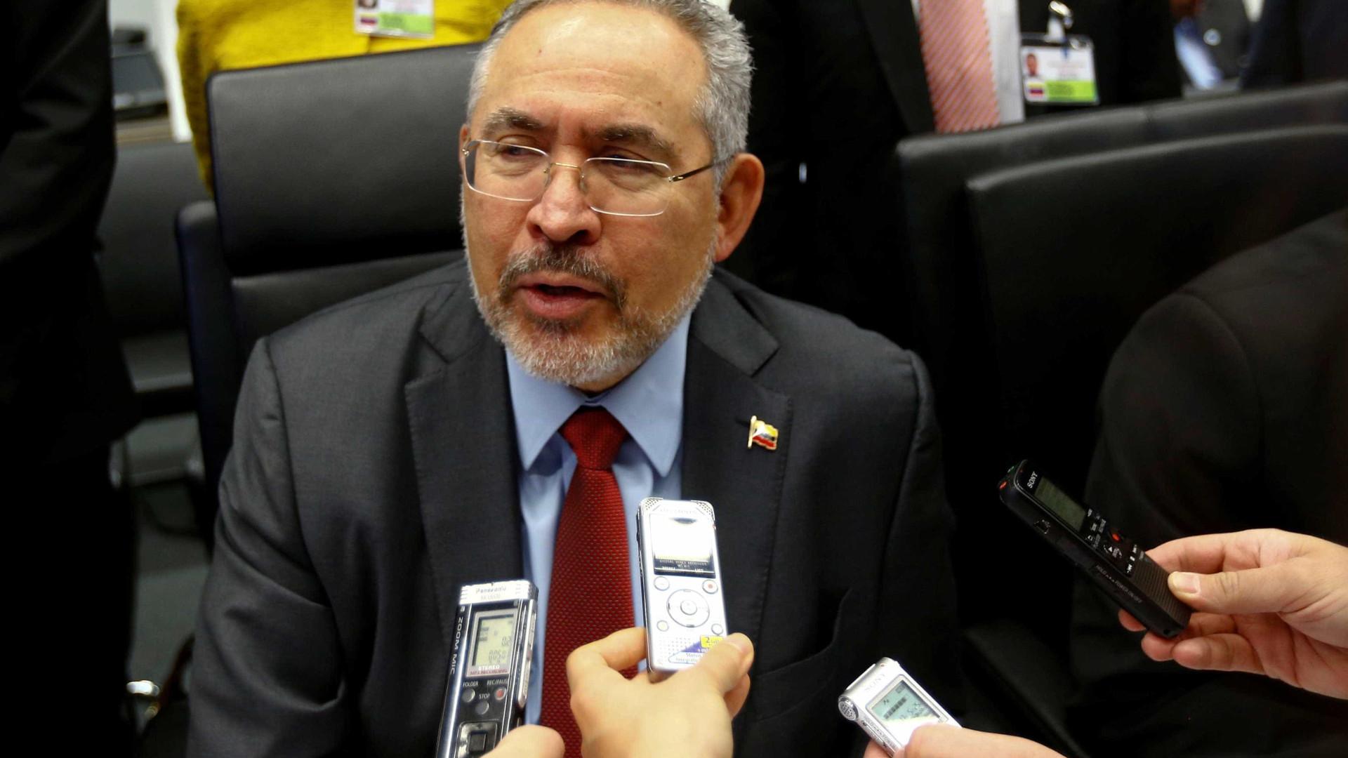 Venezuela: militares prendem ex-ministro e ex-presidente de petroleira