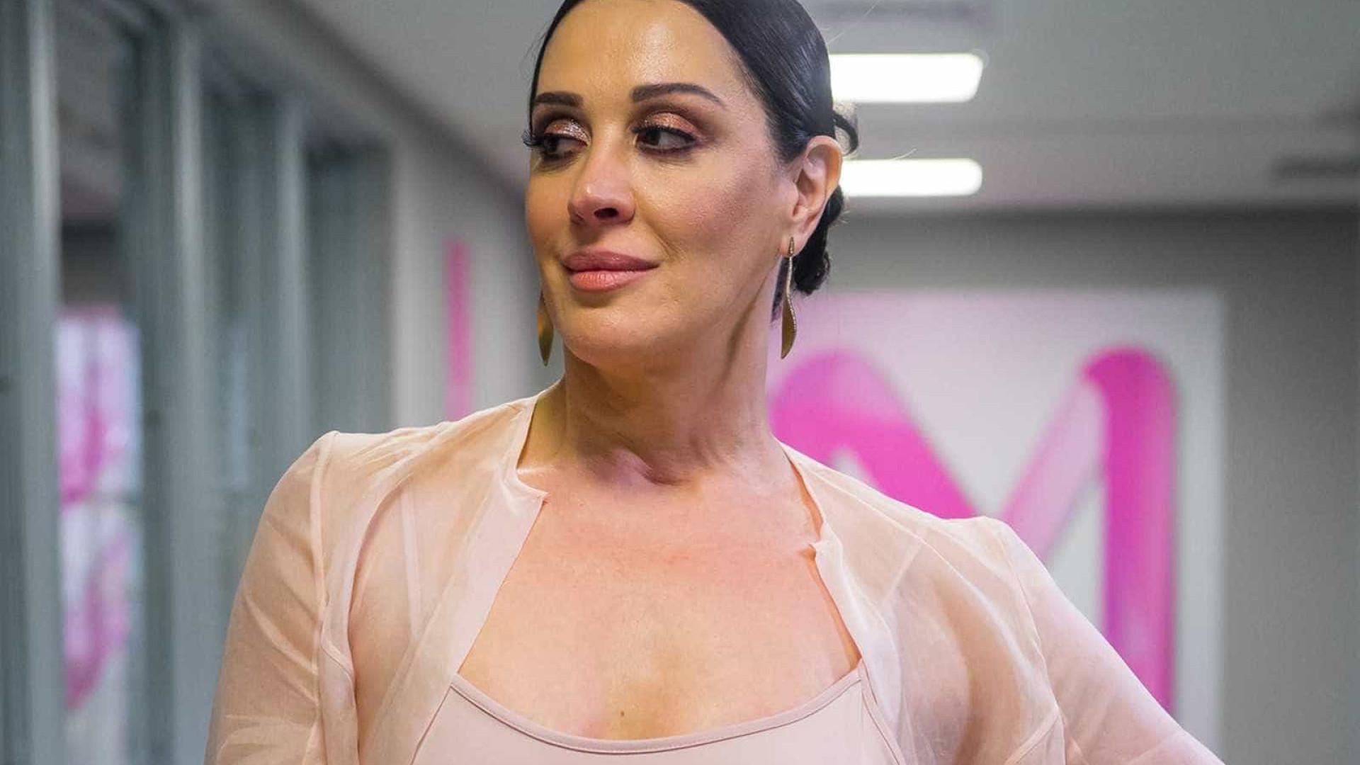 Claudia Raia conta que perdeu a virgindade com o namorado da irmã