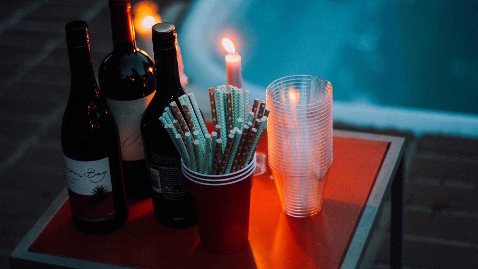 Câmara aprova veto a copo de plástico em bar em SP