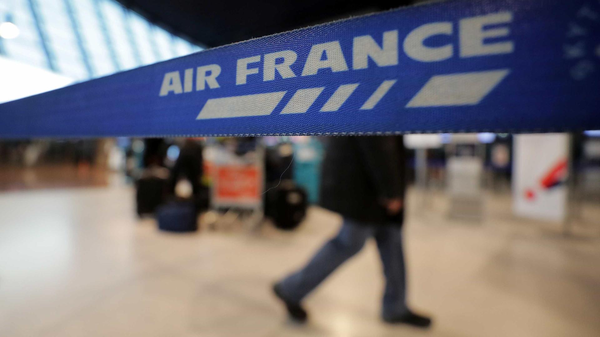 Problemas em aviões deixam passageiros da Air France retidos na Sibéria