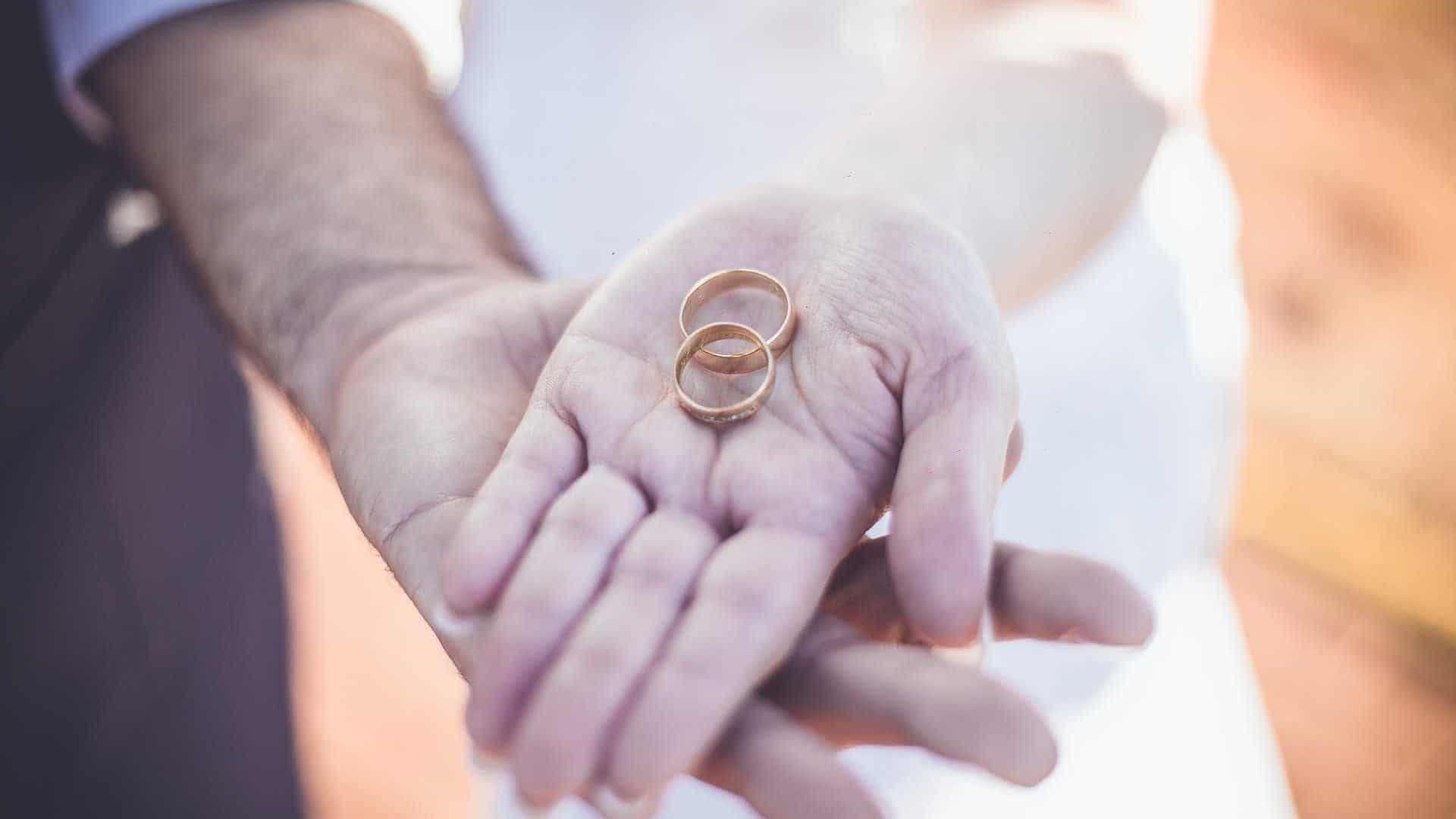 Brasileiros buscam documento e casamento falso para ficar nos EUA