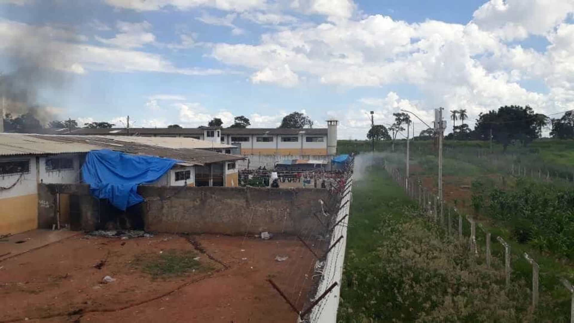 Rebelião deixa mortos e feridos em presídio de Goiás
