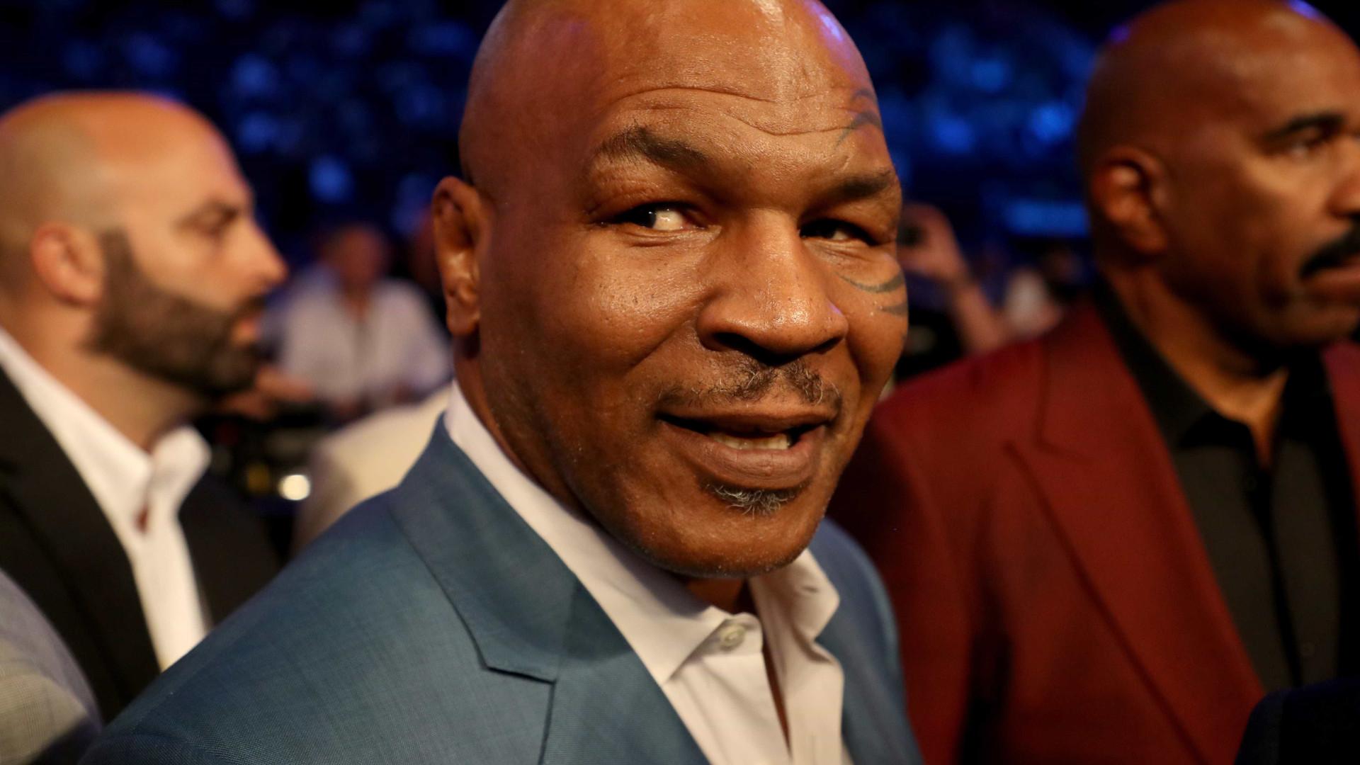 Mike Tyson x Roy Jones Jr. vai ter cinturão do Conselho Mundial de Boxe em jogo