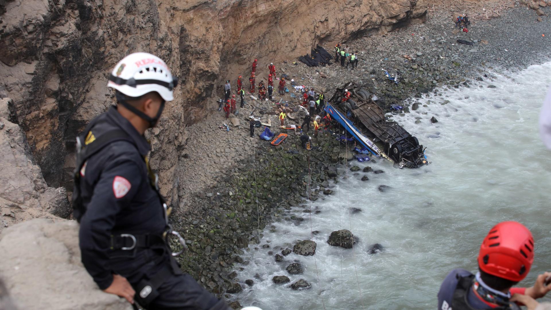 Número de mortos em acidente no Peru sobe para 36