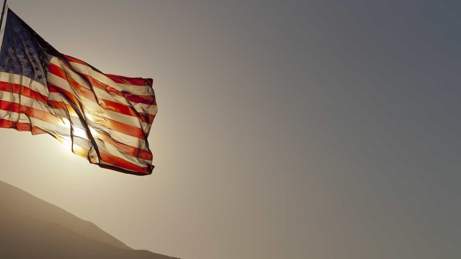 Queda de helicóptero Black Hawk nos EUA mata três soldados