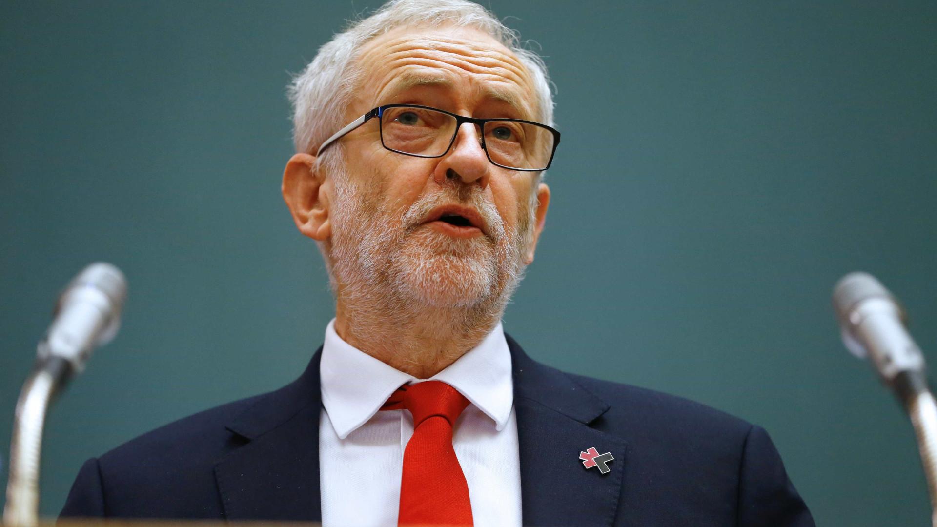 Brexit: Jeremy Corbyn prepara ofensiva para deter saída sem acordo