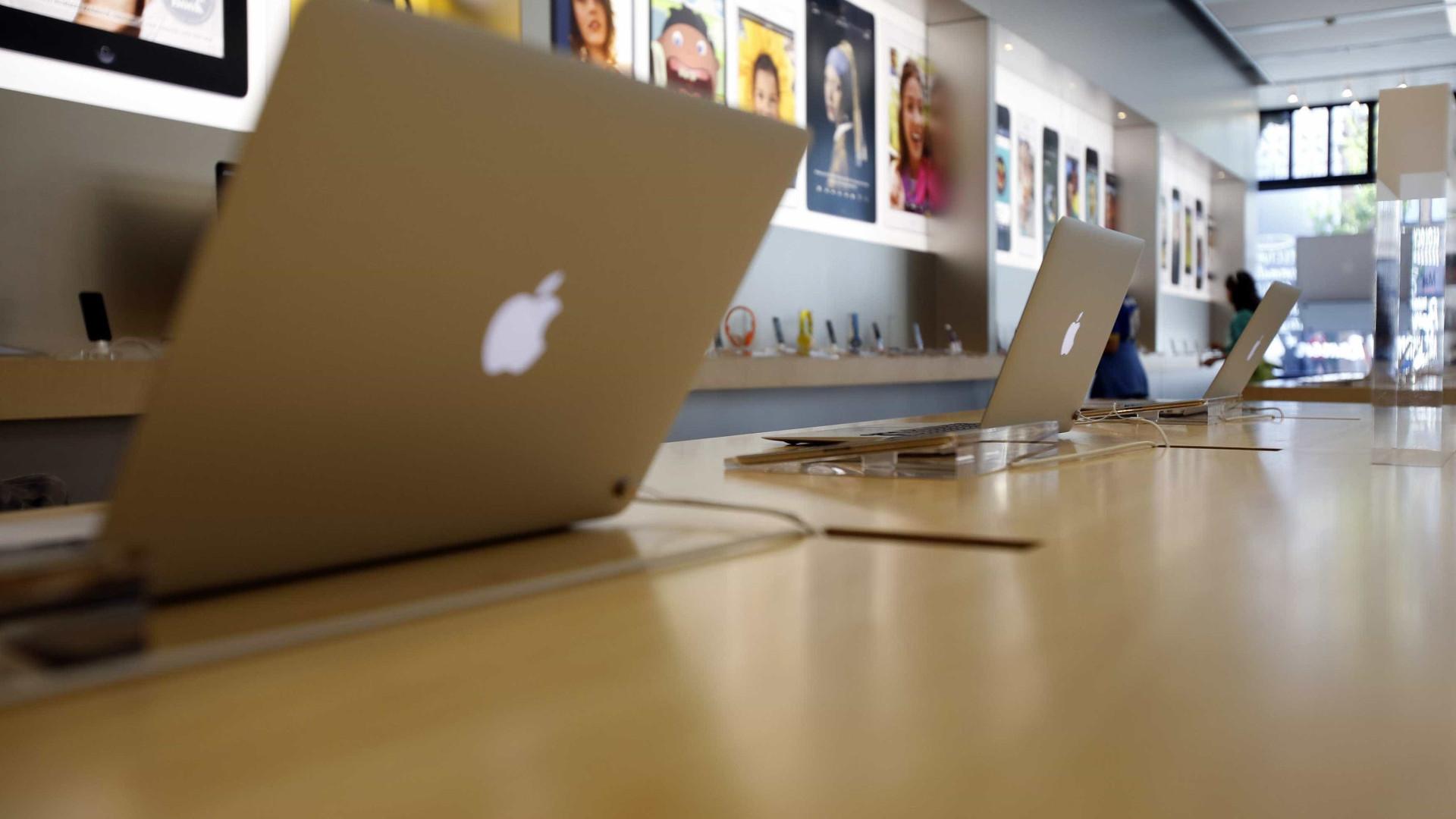 """Anac proíbe embarque de modelos do Macbook Pro 15"""" em voos"""