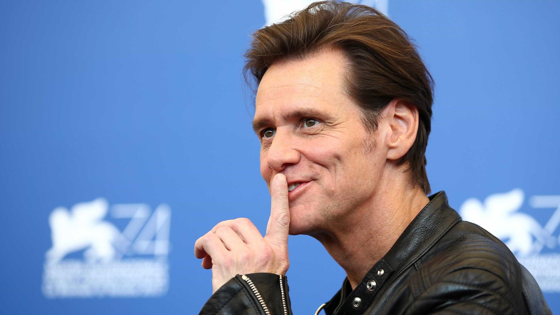 Jim Carrey é acusado de assediar repórter durante entrevista