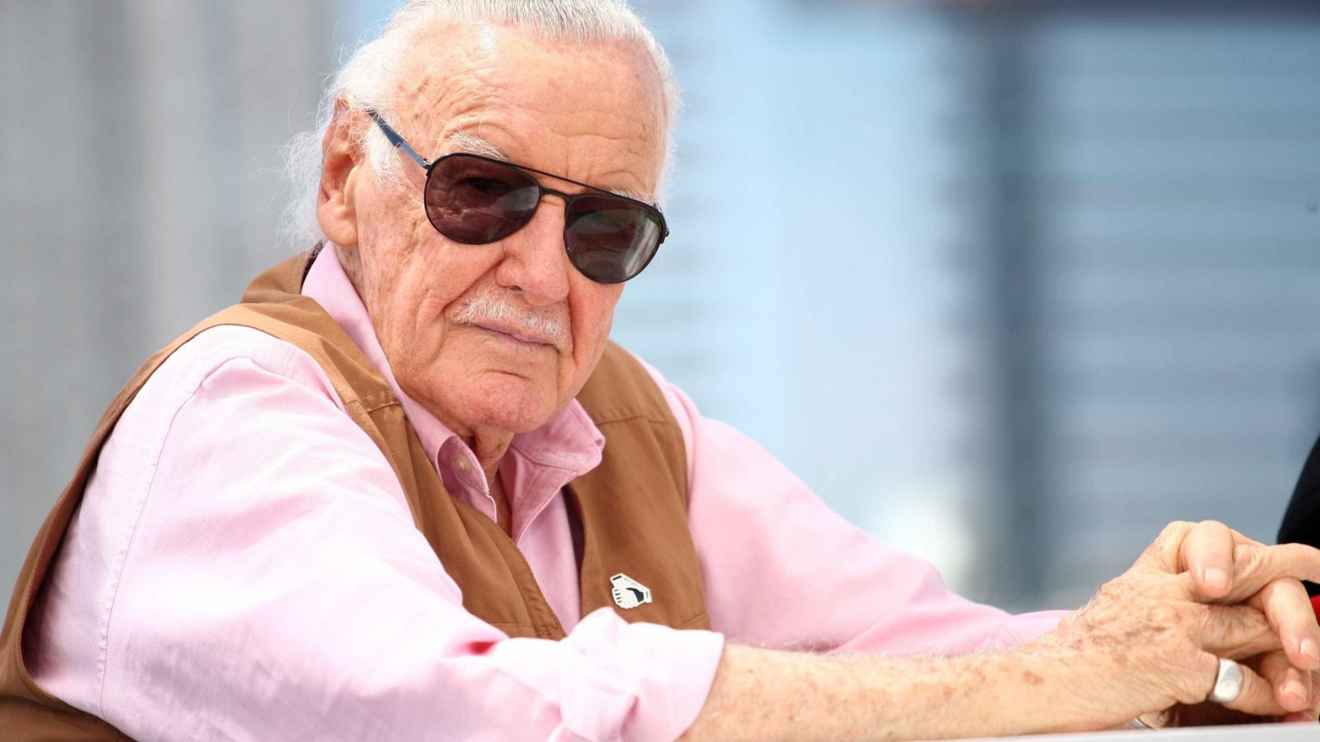 Causa da morte de Stan Lee, o criador de super-heróis, é revelada