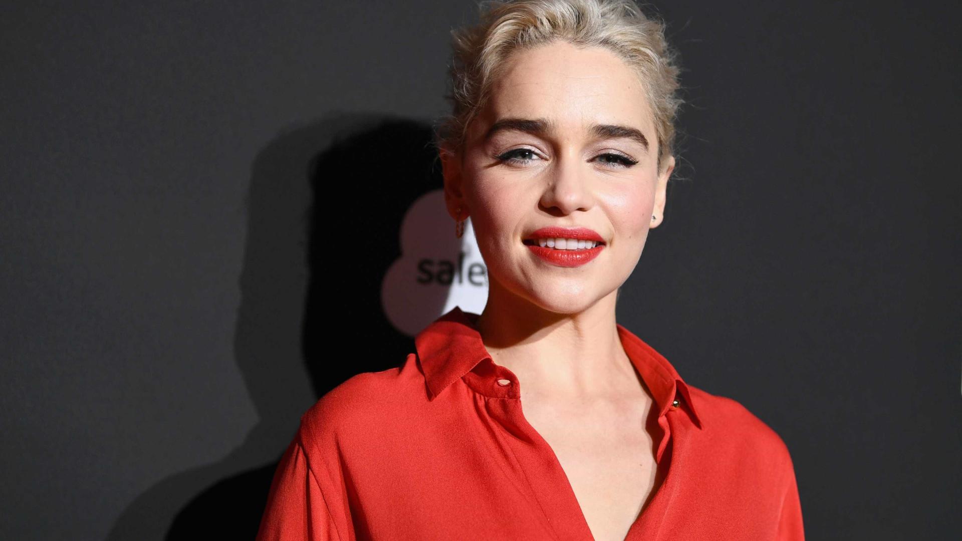 Emilia Clarke explica porque não aceitou fazer '50 Tons de Cinza'