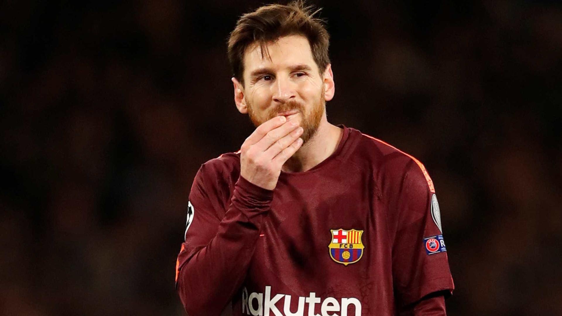 Messi salva o Barcelona e garante empate com o Sevilla