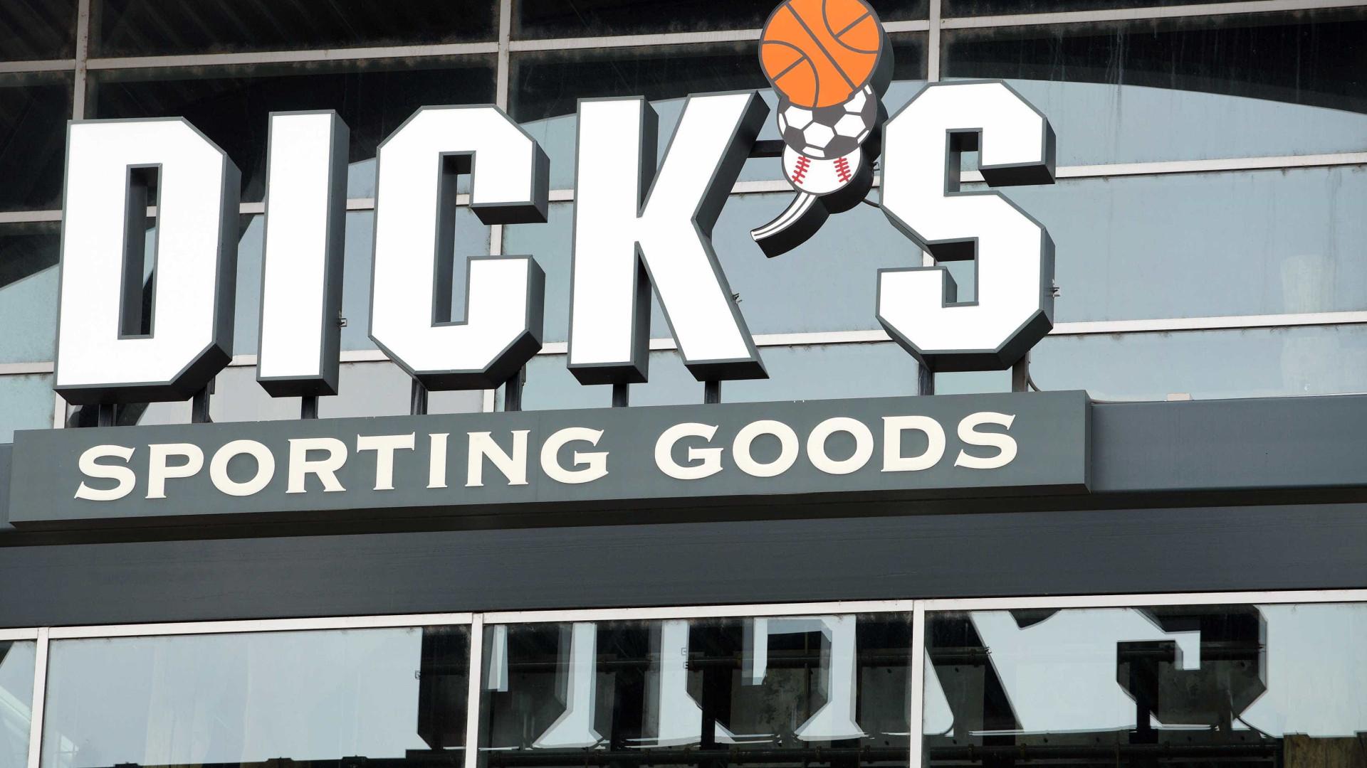 Uma das principais lojas de armas dos EUA anuncia restrições