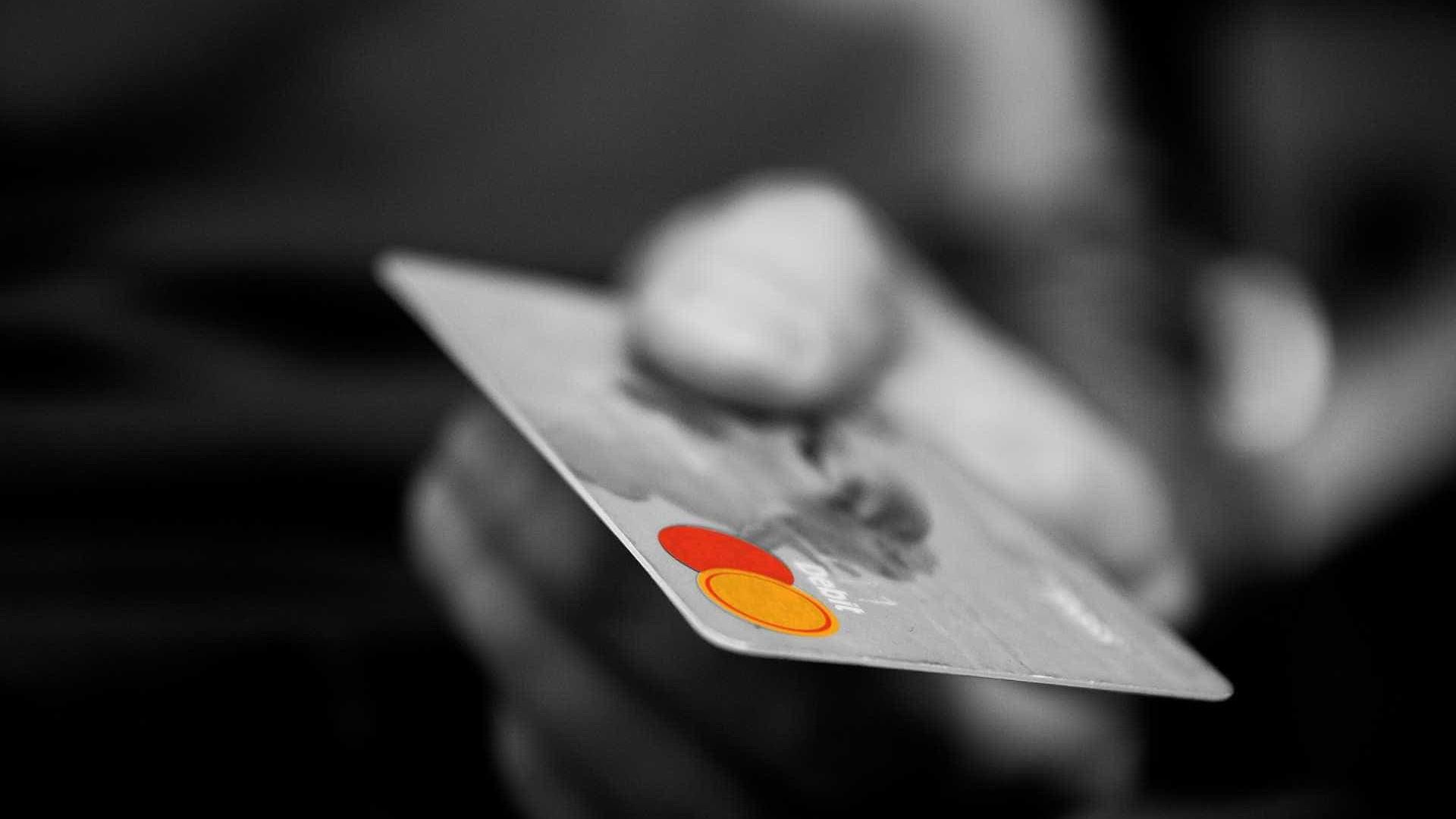Redução na taxa do cartão de débito beneficia pequeno varejista