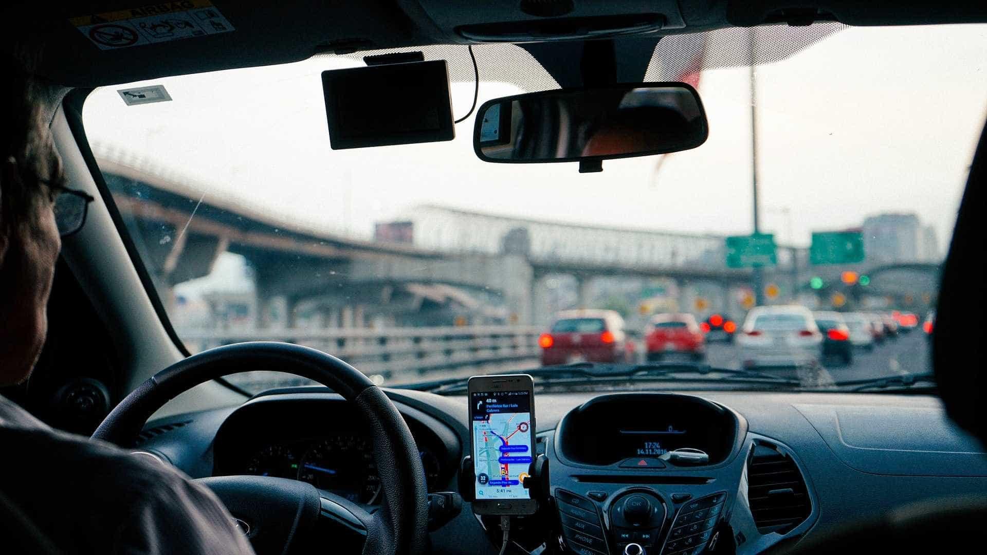 Apps já têm o triplo das viagens de táxi na Grande SP