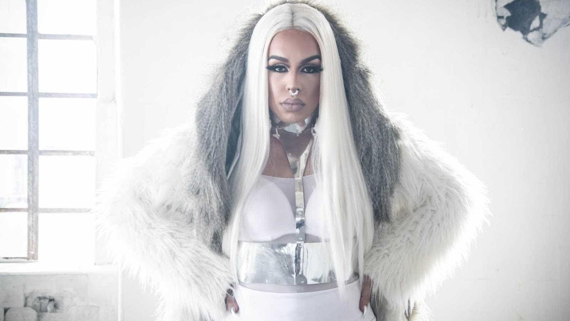 'Não me sinto menino nem menina', diz Gloria Groove